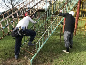 母智丘公園遊具塗装ボランティア活動写真_171003_0020